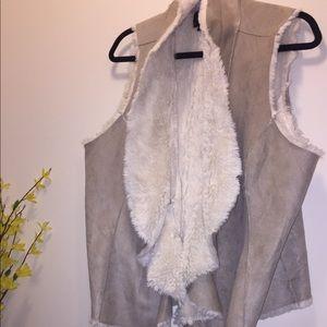 Jackets & Blazers - Tan Suede & Faux fur vest